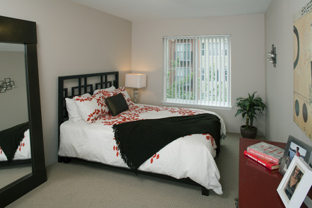 Fountain Court Seattle Bedroom | ASI Location